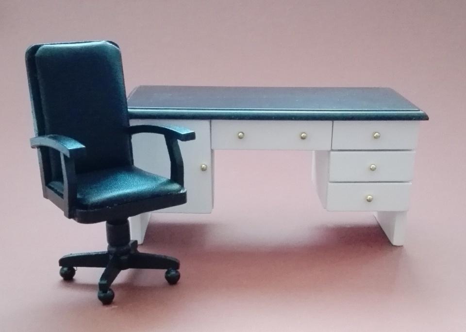 b rotisch stuhl in schwarz wei swisttaler puppenstuebchen. Black Bedroom Furniture Sets. Home Design Ideas