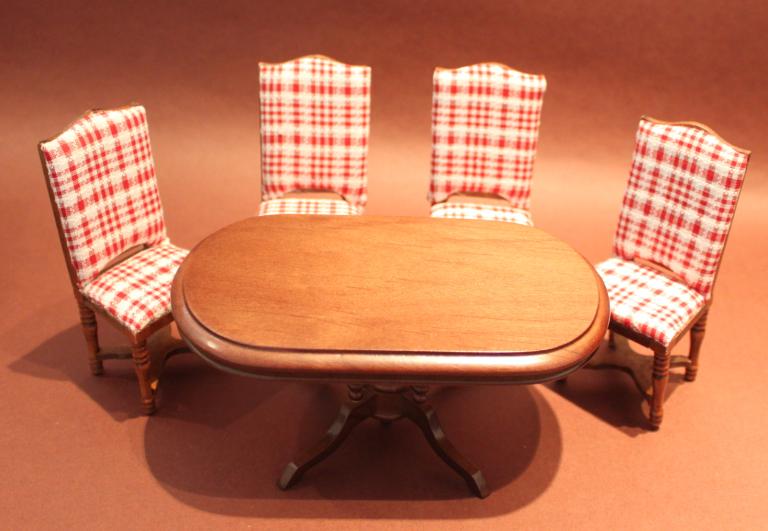 tisch oval 4 st hle swisttaler puppenstuebchen. Black Bedroom Furniture Sets. Home Design Ideas