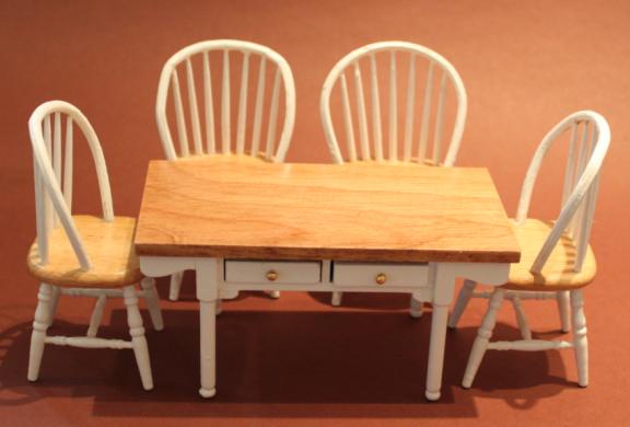 tisch und st hle wei braun swisttaler puppenstuebchen. Black Bedroom Furniture Sets. Home Design Ideas