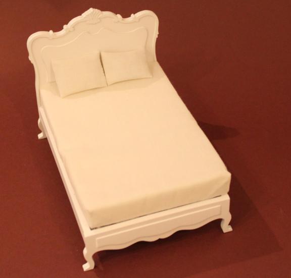 bett in wei swisttaler puppenstuebchen. Black Bedroom Furniture Sets. Home Design Ideas