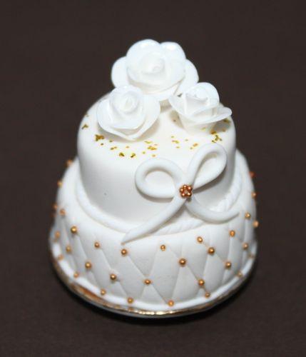 2 Stockige Hochzeitstorte In Weiss Swisttaler Puppenstuebchen
